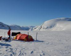 Endlich kommt der Gletscher in Sicht – Josten på langs Teil 2